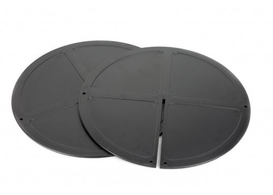 Sfera pieghevole ddi segnalazione di ancoraggio in plastica nera. Può essere ripostapiattae poco ingombrante. Viene impiegataquando la barca è all'ancora.  (Immagine 4 di 4)