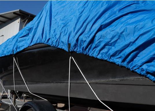 Telone con speciale tessuto impregnato, con rinforzi nelle posizioni critiche per una copertura sicura della barca a motore. A cucitura doppia, con elastico e occhielli per garantire una perfetta adattabilità. Materiale: 100% poliestere.  (Immagine 6 di 8)