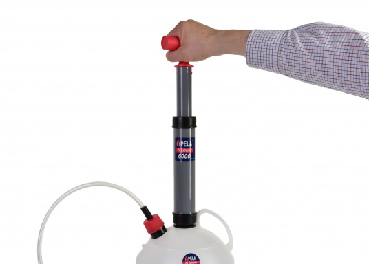 Una pompa molto intelligente! Ideale per l'utilizzo in casa, il giardino e in barca.  (Immagine 3 di 7)