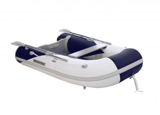 Il gommone YACHTING 250 prodotto da SEATEC non solo è adatto come tender per piccole imbarcazioni ma è anche particolarmente indicato per escursioni in mare e battute di pesca.  (Immagine 1 di 7)