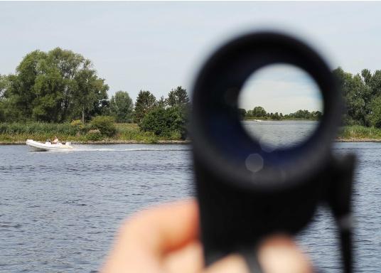 Il binocolo SEATEC TARGET è stato specificamente progettato per l'impiego in mare.  (Immagine 9 di 13)