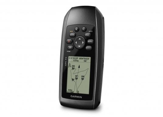 Il GPS 73 è un dispositivo portatile di facile utilizzo, che è la soluzione di navigazione perfetta per barche, barche a vela o piccole imbarcazioni che non dispongono di un chartplotter. Ha una sensibilità molto elevata affinchè i segnali satellitari possano essere catturati rapidamente e la vostra posizione possa essere determinata anche nelle condizioni più difficili.  (Immagine 6 di 9)