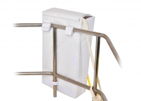 Il sistema di recupero uomo a mare realizzato da SAFESLING può essere installato sul pulpito di poppa di qualsiasi imbarcazione. La sua funzione è quella di facilitare il recupero di un uomo caduto fuori bordo. (Immagine 6 di 9)