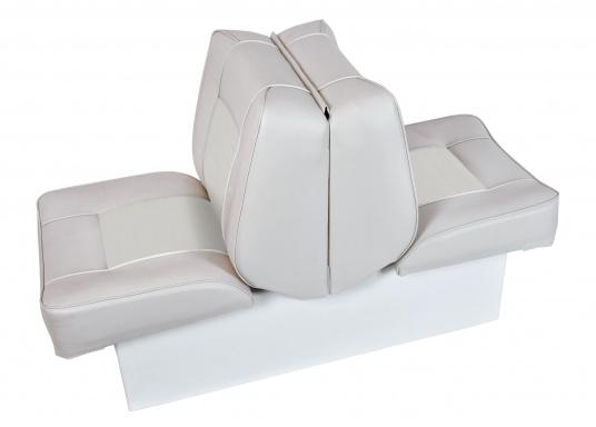 Sedile contrapposto foderato in simil pelle e telaio in plastica. Per due persone. Gli schienali possone essere stesi per diventare una comoda superficie su cui sdraiarsi,lunga166 cm. (Immagine 1 di 14)