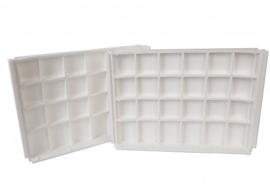 Sedile contrapposto foderato in simil pelle e telaio in plastica. Per due persone. Gli schienali possone essere stesi per diventare una comoda superficie su cui sdraiarsi,lunga166 cm. (Immagine 7 di 14)