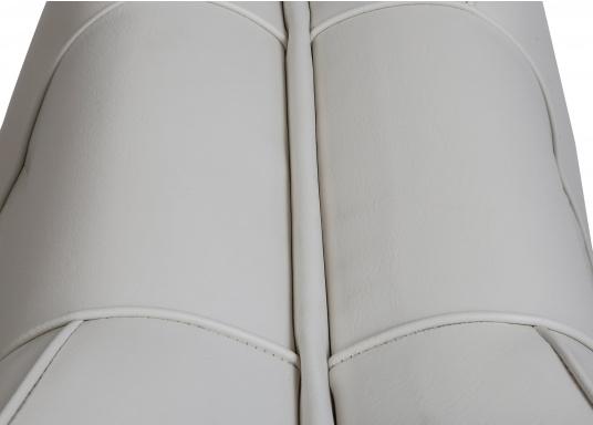 Sedile contrapposto foderato in simil pelle e telaio in plastica. Per due persone. Gli schienali possone essere stesi per diventare una comoda superficie su cui sdraiarsi,lunga166 cm. (Immagine 5 di 14)