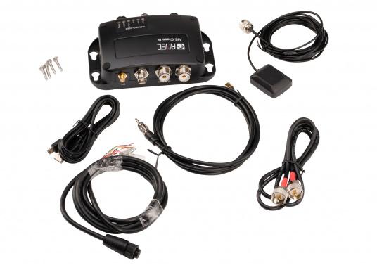 Dotato di uno splitter interno, il Camino-108S consente l'utilizzo dell'antenna VHF esistente. Ciò rende particolarmente semplice l'installazione del transponder AIS. (Immagine 4 di 4)