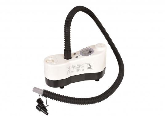 Questa pompa elettrica è ideale per gonfiare e sgonfiare stand up paddle, gommoni, tubes, parabordi, materassi ad aria e molto altro. La pressione dell'aria può essere regolata in ogni momento. (Immagine 3 di 9)