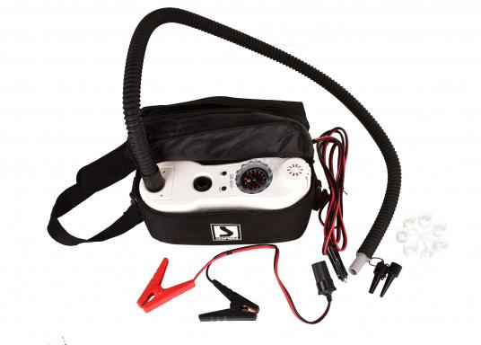 Questa pompa elettrica è ideale per gonfiare e sgonfiare stand up paddle, gommoni, tubes, parabordi, materassi ad aria e molto altro. La pressione dell'aria può essere regolata in ogni momento. (Immagine 5 di 9)