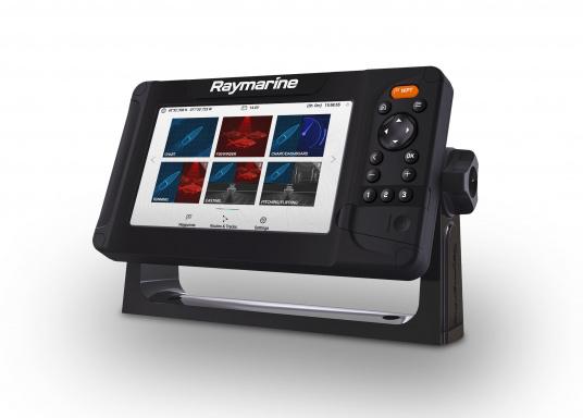 """Display multifunzione Smart 7"""" con interfaccia user-friendly, antenna GPS integrata e modulo sonar CHIRP integrato. Questo chartplotter Raymarine è stato progettato volutamente senza touchscreen in quanto i classici comandi a pulsante e l'interfaccia LightHouse Sport di Raymarine assicurano un funzionamento intuitivo e preciso del dispositivo anche in caso di alta velocità o mare mosso. (Immagine 2 di 5)"""