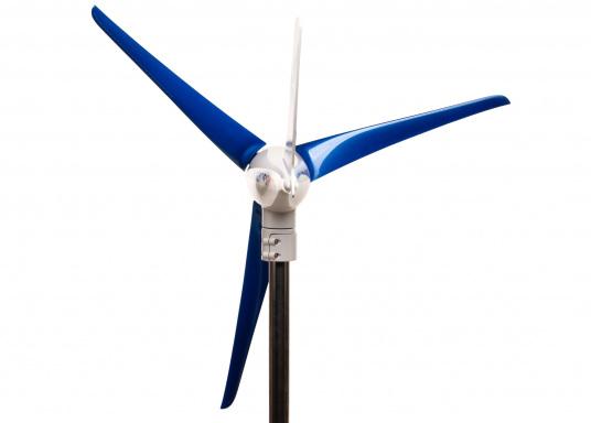 Il generatore eolico sviluppato dai marinai per i marinai. Offre prestazioni particolarmente efficienti anche con vento debole ed è adatto a tutte le zone climatiche. Tensione: 12 V. (Immagine 4 di 7)