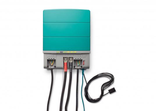 La serie Mastervolt CombiMaster coniuga facilità d'uso, affidabilità, una tecnologia di ricarica e di rete all'avanguardia. Le applicazioni impegnative e i carichi elevati non sono un problema per i potenti dispositivi CombiMaster. Grazie alle interfacce MasterBus, CZone e NMEA2000 integrate, la serie CombiMaster è compatibile con quasi tutte le attuali tecnologie di rete e terminali. (Immagine 4 di 9)