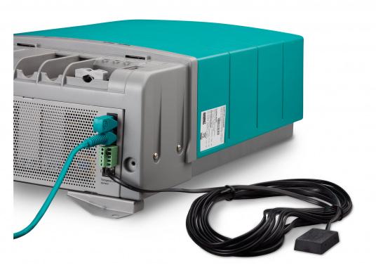 La serie Mastervolt CombiMaster coniuga facilità d'uso, affidabilità, una tecnologia di ricarica e di rete all'avanguardia. Le applicazioni impegnative e i carichi elevati non sono un problema per i potenti dispositivi CombiMaster. Grazie alle interfacce MasterBus, CZone e NMEA2000 integrate, la serie CombiMaster è compatibile con quasi tutte le attuali tecnologie di rete e terminali. (Immagine 8 di 9)