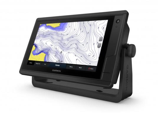 """L'intuitivo plotter cartografico GPSMAP 922 Plus è di facile lettura anche alla luce diretta del sole grazie al suo schermo luminoso. Il suo touchscreen da 9"""" offre una visualizzazione della mappa ottimizzata, è facile da usare e facile da integrare nel sistema nautico Garmin. (Immagine 2 di 7)"""
