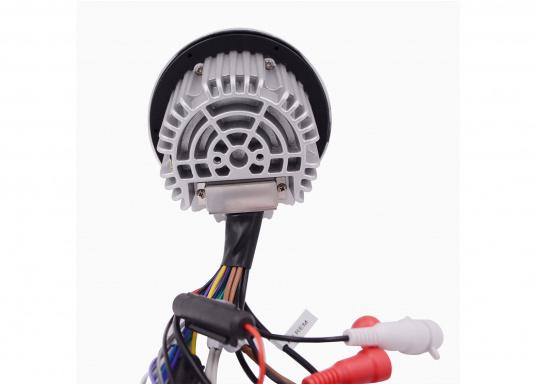 La radio marina stupisce con il suo design di alta qualità. Questa radio è dotata di un ricevitore DAB integrato per una qualità del suono cristallina. L'alloggiamento impermeabile richiede un taglio di 85 mm e ha un diametro esterno di 110 mm. (Immagine 4 di 5)