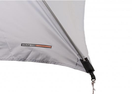Tendalino a sospensione libera che può essere appeso ovunque sullo yacht grazie alla sua flessibilità. Ha una tenda resistente alla pioggia e ai raggi UV, cinghie regolabili su tutti gli angoli e aste con elastici integrati. Disponibile in diverse dimensioni. (Immagine 5 di 9)