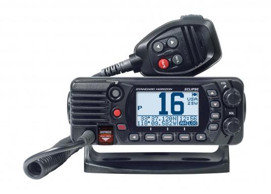 Radio VHF marina molto compatta, con DSC di classe D, un display molto ampio, antenna GPS integrata e l'interfaccia NMEA 0183 che permette la facile integrazione alla rete di bordo esistente. GX1400G offre prestazioni affidabili e assicura facilità d'uso. (Immagine 2 di 7)