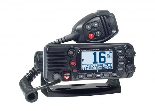 Radio VHF marina molto compatta, con DSC di classe D, un display molto ampio, antenna GPS integrata e l'interfaccia NMEA 0183 che permette la facile integrazione alla rete di bordo esistente. GX1400G offre prestazioni affidabili e assicura facilità d'uso. (Immagine 1 di 7)