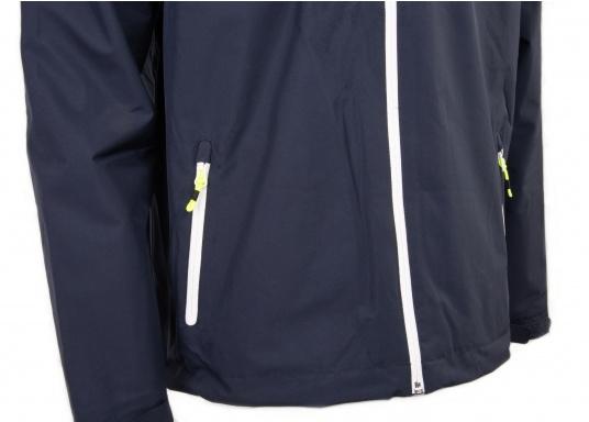 La giacca Club da uomo leggera e funzionale di Marinepool è antivento, idrorepellente e traspirante e quindi un tuttofare assoluto anche al di fuori della vela. (Immagine 8 di 11)