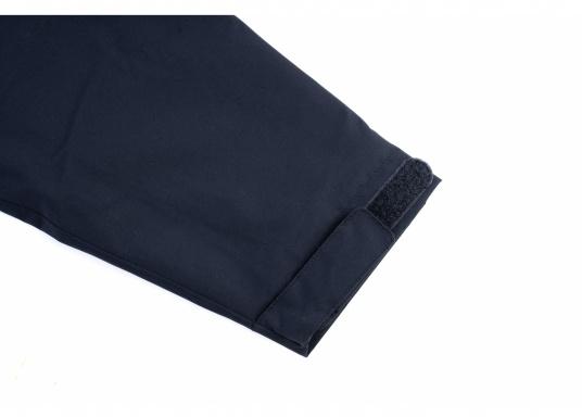 La giacca Club da uomo leggera e funzionale di Marinepool è antivento, idrorepellente e traspirante e quindi un tuttofare assoluto anche al di fuori della vela. (Immagine 11 di 11)