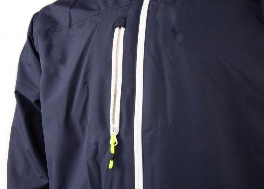 La giacca Club da uomo leggera e funzionale di Marinepool è antivento, idrorepellente e traspirante e quindi un tuttofare assoluto anche al di fuori della vela. (Immagine 7 di 11)