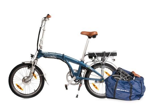 Con la nuova e-bike in alluminio BLIZZARD PRO, il viaggio diventa la meta. Come ulteriore sviluppo del popolare modello precedente BLIZZARD, avrai nuove funzionalità per un'autonomia e una flessibilità ancora maggiori. Lasciati sorprendere dalla nuova bici pieghevole senza dover rinunciare al piacere di guida! la consegna include una borsa per un comodo trasporto della bicicletta. (Immagine 10 di 12)
