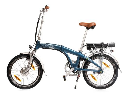 Con la nuova e-bike in alluminio BLIZZARD PRO, il viaggio diventa la meta. Come ulteriore sviluppo del popolare modello precedente BLIZZARD, avrai nuove funzionalità per un'autonomia e una flessibilità ancora maggiori. Lasciati sorprendere dalla nuova bici pieghevole senza dover rinunciare al piacere di guida! la consegna include una borsa per un comodo trasporto della bicicletta. (Immagine 1 di 12)