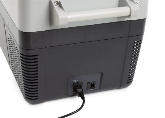 I frigoriferi portatili a compressore della serie CFF stupiscono per il loro peso ridotto, flessibilità e prestazioni di raffreddamento di prima classe. Il CFF-45 pesa meno di 19 kg, ha una grande capacità di 43,5 litri e offre un ottimo rapporto qualità-prezzo. (Immagine 6 di 9)