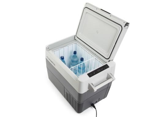 I frigoriferi portatili a compressore della serie CFF stupiscono per il loro peso ridotto, flessibilità e prestazioni di raffreddamento di prima classe. Il CFF-45 pesa meno di 19 kg, ha una grande capacità di 43,5 litri e offre un ottimo rapporto qualità-prezzo. (Immagine 7 di 9)