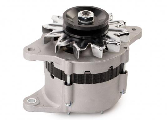Questo alternatore / generatore è identico all'alternatore / generatore originale Yanmar 129772-77200. (Immagine 1 di 3)