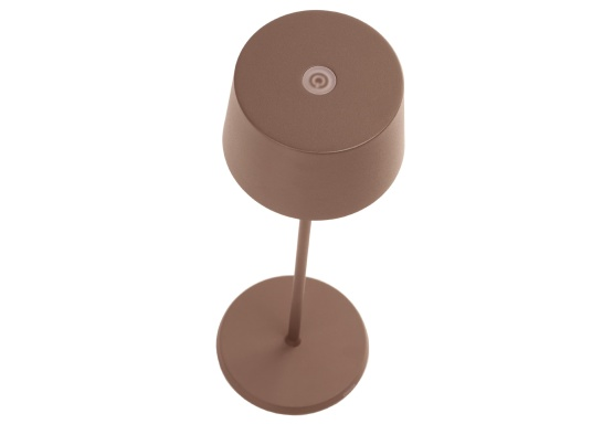 La lampada da tavolo a LED di alta qualità OLIVIA ha una batteria ricaricabile integrata e colpisce per il suo design elegante e l'elevata funzionalità. Trova il suo posto ovunque sia come lampada decorativa che come illuminazione da tavolo e crea un ambiente accogliente. (Immagine 5 di 7)