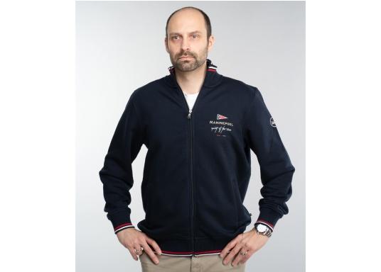 Confortevole, sportiva, elegante: la morbida giacca felpata da uomo HARRISON di marinepool si caratterizza per il suo materiale particolarmente comodo. (Immagine 1 di 11)