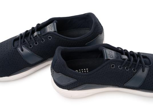 La scarpa da uomo ultraleggera PADDLES di TBS è stata sviluppata appositamente per gli sport acquatici e combina la tecnologia di una scarpa sportiva moderna con le proprietà di una scarpa da barca. Disponibile nelle taglie dalla 39 alla 46. (Immagine 6 di 6)