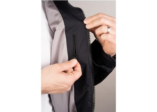 Giacca club e da vela altamente funzionale realizzata con un robusto materiale a 2 strati. La giacca CRUISING è realizzata in tessuto impermeabile e traspirante ed è inoltre rivestita con DWR. (Immagine 8 di 12)