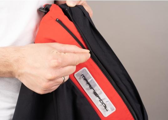 Giacca club e da vela altamente funzionale realizzata con un robusto materiale a 2 strati. La giacca CRUISING è realizzata in tessuto impermeabile e traspirante ed è inoltre rivestita con DWR. (Immagine 11 di 12)