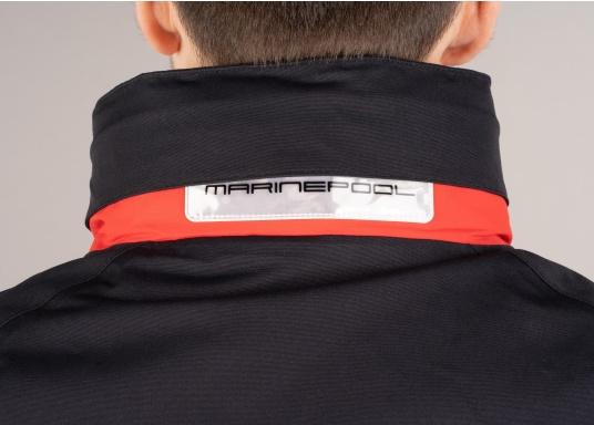 Giacca club e da vela altamente funzionale realizzata con un robusto materiale a 2 strati. La giacca CRUISING è realizzata in tessuto impermeabile e traspirante ed è inoltre rivestita con DWR. (Immagine 12 di 12)