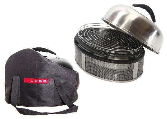 Grigliare, cuocere e arrostire alla perfezione! Il barbecue COBB garantisce la massima sicurezza a bordo, la base e le superfici laterali non si scaldano eccessivamente, mentre all'interno la temperatura arriva a 280-300°C. L'articolo include una borsa di alta qualità con tanto spazio per gli accessori. (Immagine 1 di 11)