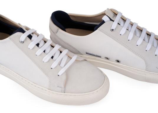 Con le sneaker da uomo JIB di Blueport, avrai sempre un pezzo di vela con te. Questa comoda scarpa è realizzata in tela da vele reciclata e pelle. Il morbido rivestimento interno in neoprene assicura il massimo comfort. (Immagine 8 di 14)