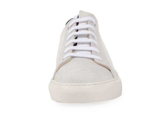 Con le sneaker da uomo JIB di Blueport, avrai sempre un pezzo di vela con te. Questa comoda scarpa è realizzata in tela da vele reciclata e pelle. Il morbido rivestimento interno in neoprene assicura il massimo comfort. (Immagine 3 di 14)