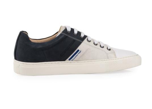 Con le sneaker da uomo GENOA di Blueport, avrai sempre un pezzo di vela con te. Questa comoda scarpa è realizzata in tela da vele reciclata e pelle. Il morbido rivestimento interno in neoprene assicura il massimo comfort. (Immagine 4 di 13)
