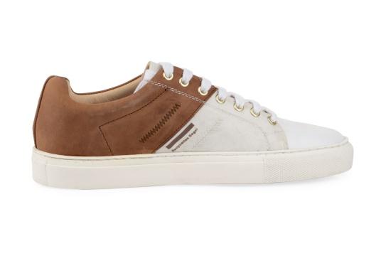 Con le sneaker da uomo GENOA di Blueport, avrai sempre un pezzo di vela con te. Questa comoda scarpa è realizzata in tela da vele reciclata e pelle. Il morbido rivestimento interno in neoprene assicura il massimo comfort. (Immagine 4 di 12)