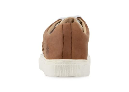 Con le sneaker da uomo GENOA di Blueport, avrai sempre un pezzo di vela con te. Questa comoda scarpa è realizzata in tela da vele reciclata e pelle. Il morbido rivestimento interno in neoprene assicura il massimo comfort. (Immagine 5 di 12)