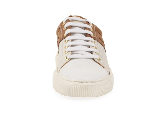 Con le sneaker da uomo GENOA di Blueport, avrai sempre un pezzo di vela con te. Questa comoda scarpa è realizzata in tela da vele reciclata e pelle. Il morbido rivestimento interno in neoprene assicura il massimo comfort. (Immagine 3 di 12)