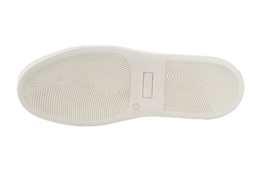 Con le sneaker da uomo GENOA di Blueport, avrai sempre un pezzo di vela con te. Questa comoda scarpa è realizzata in tela da vele reciclata e pelle. Il morbido rivestimento interno in neoprene assicura il massimo comfort. (Immagine 6 di 12)